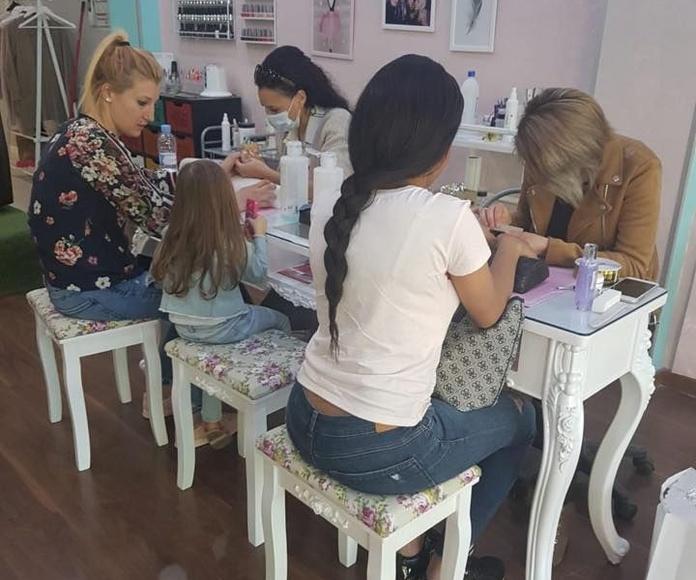Curso completo de uñas: Nuestros servicios y fotos de Gemma Beauty Bar
