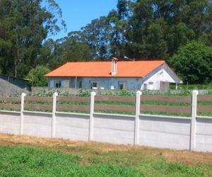 Construcción de vallas con paneles prefabricados