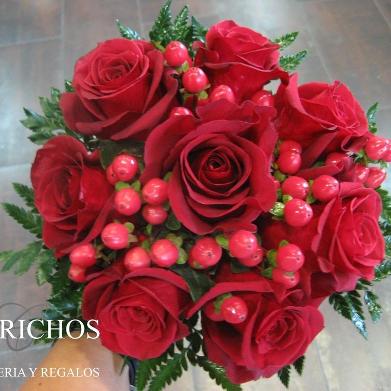 Rosas: TIENDA ONLINE Y CATÁLOGO de Floristería y Regalos Caprichos Parla