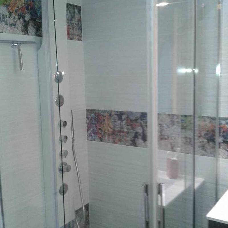 Mamparas de baño: Productos y servicios de Cuines i Portes Vial
