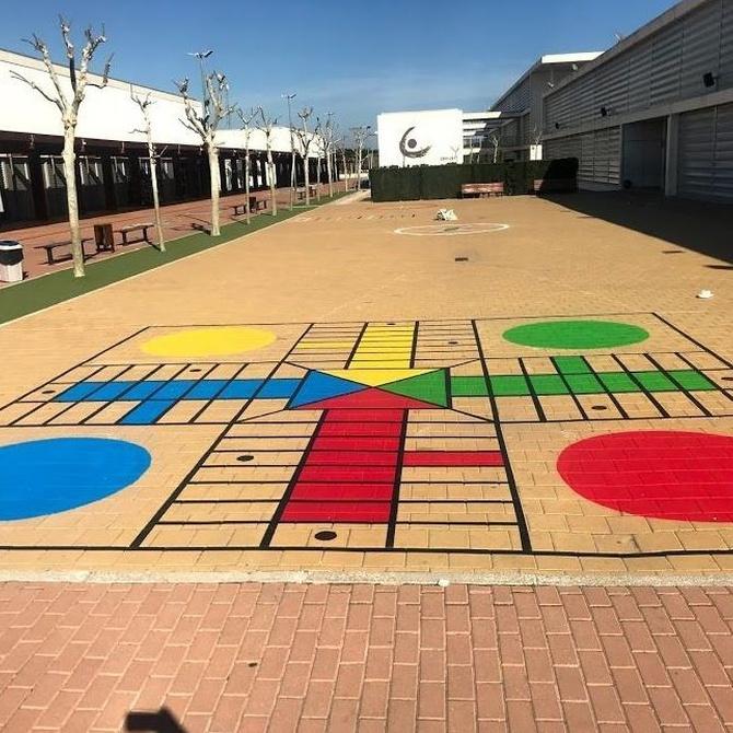 Juegos pintados en el suelo para los niños