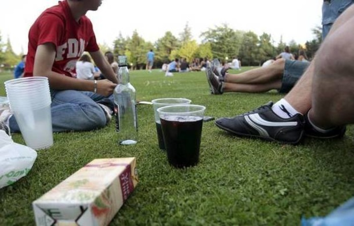 España, país de la UE donde los adolescentes ven más fácil comprar tabaco, alcohol o cannabis