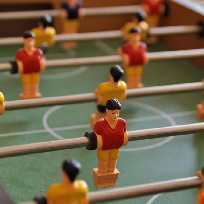 La diversión de un futbolín en casa