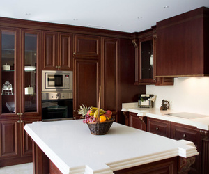 Muebles de cocina en madera estilo clásico modelo Moscú