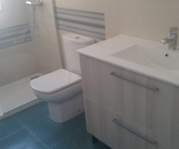 Reforma completa cuarto de baño en vivienda