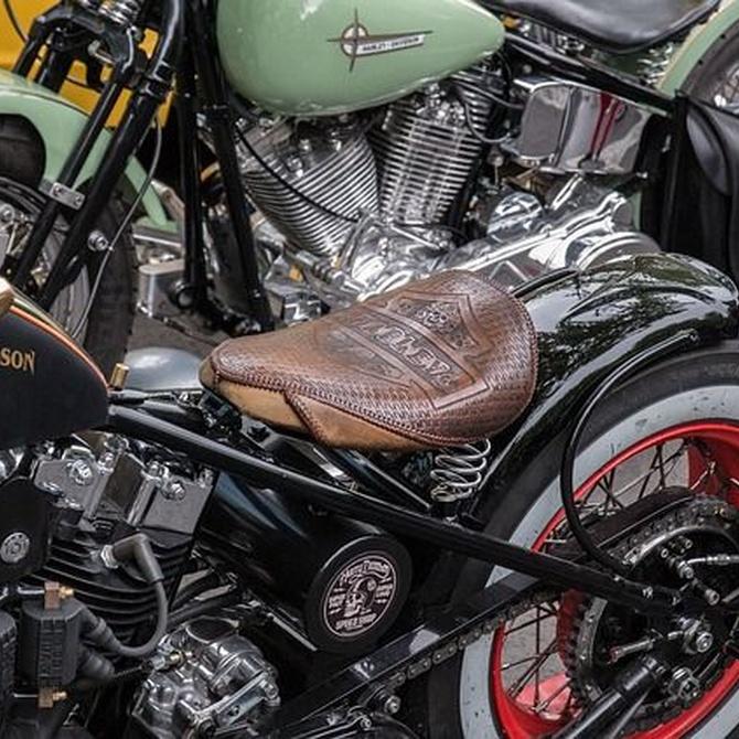 Deja tu moto como nueva tapizando el sillín