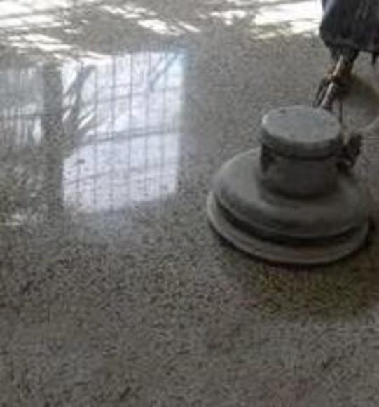 Pulido y abrillantado de suelos: Servicios de Servicios de Limpieza Pilar Martínez