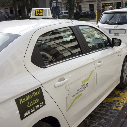 Servicio de taxi en Alcoi