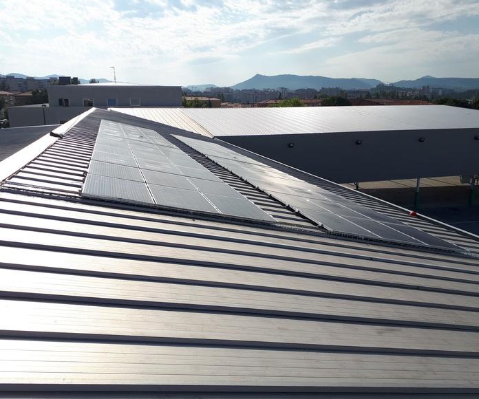 Instalación de paneles solares fotovoltaica para autoconsumo en el colegio Bernat Etxepare, Pamplona