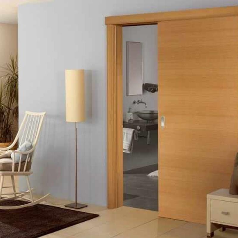 Mod. madera barnizado corredera vista con galeria.jpg