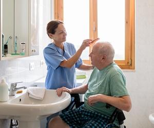 Asistencia a personas mayores en hospital en Lleida