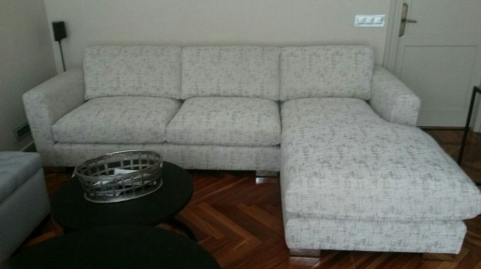 SOFÁ CON CHAISELONGUE 3