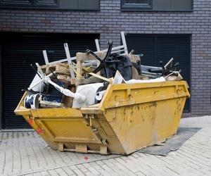 ¿Qué tengo que hacer para colocar un contenedor de escombros?
