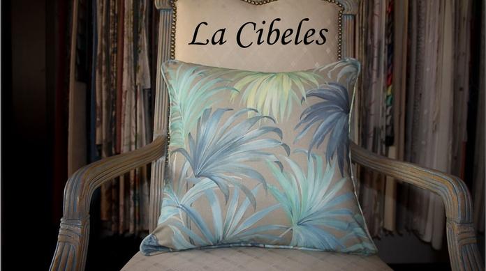 Cojín loneta hojas azules: Catálogo de La Cibeles