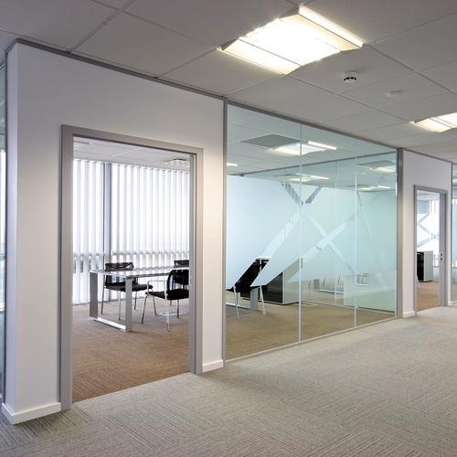 Nous disposons d'un service de location de bureaux.