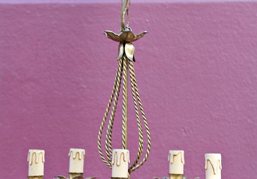Pequeña lámpara de araña francesa