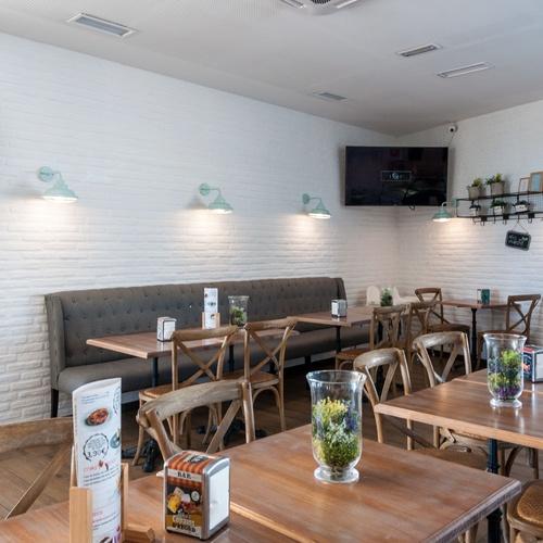 Restaurante con menú en Sevilla