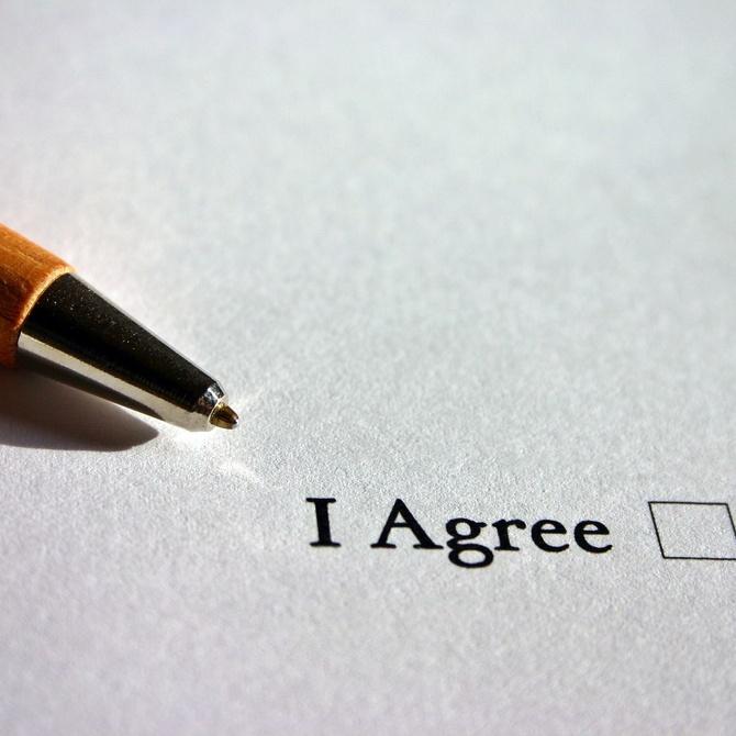 Cómo traduce un certificado de penales un traductor jurado