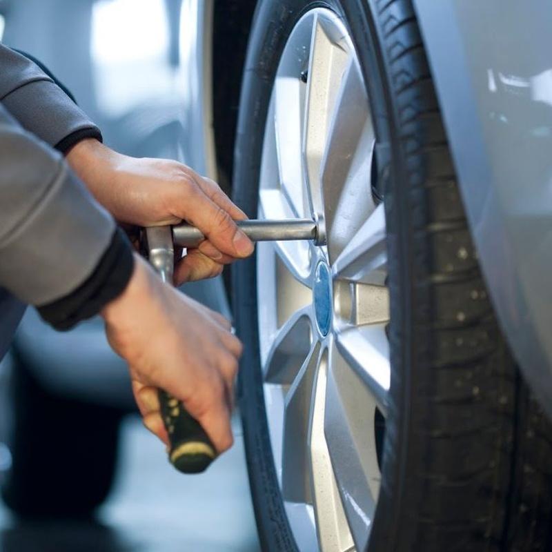 Cambio y reparación de neumáticos: Servicios de Talleres Mateos 2000 S.L.