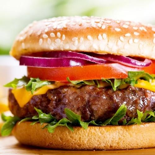 Restaurante con hamburguesas gourmet