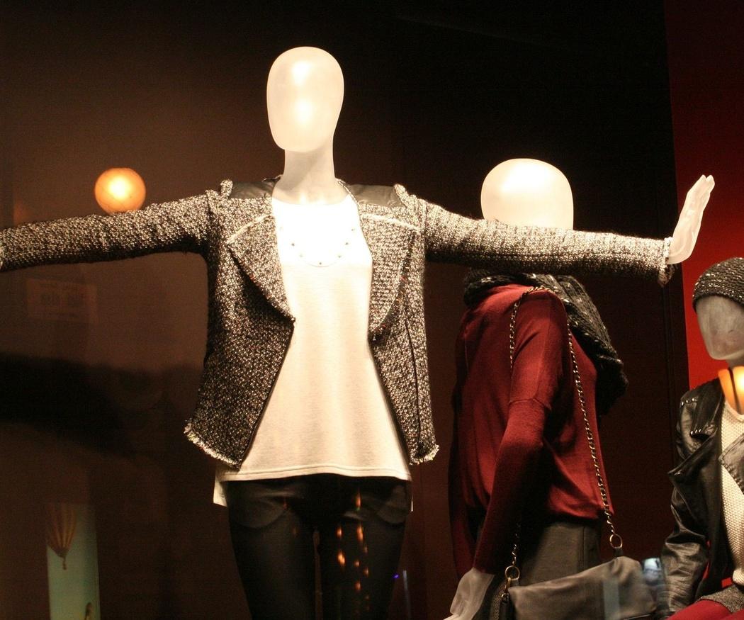 ¿Sabes cómo surgieron las tiendas outlet de ropa?