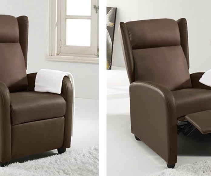 Referencia: 0300080024813. Sillón relax modelo Sena. Mecanismo relax con apertura manual. Tapizado símil piel color chocolate. Medida ancho 65 cm.