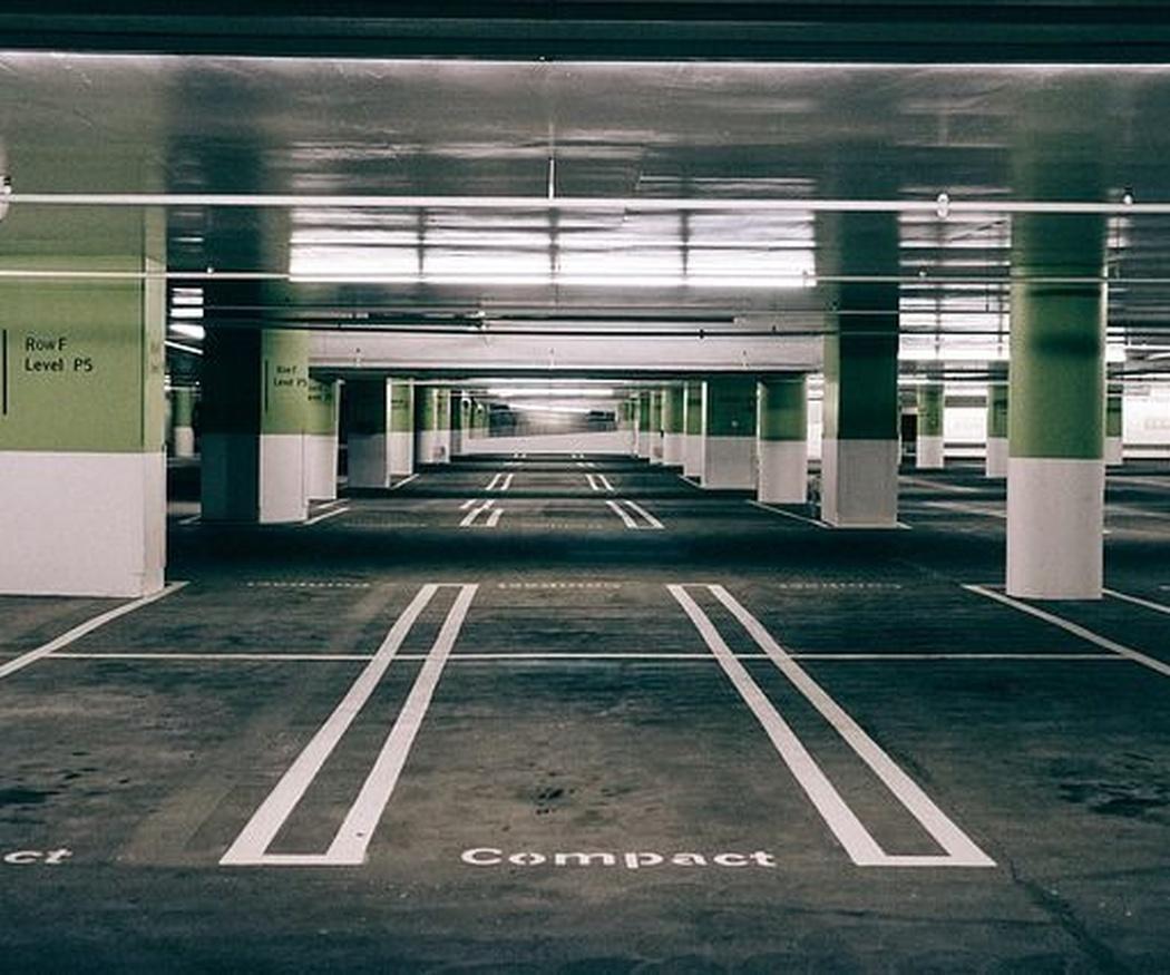 ¿Por qué recurrir a los profesionales para limpiar un aparcamiento?