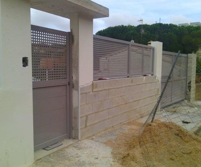 A130 Puertas de chapa galvanizada y pintadas al horno