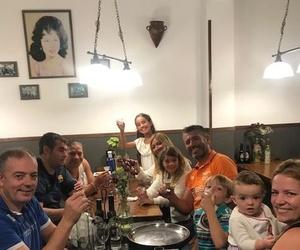 Familias entendidas en Vino! Vitorieros como no! Un abrazo!