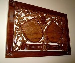Escudo heraldico tallado