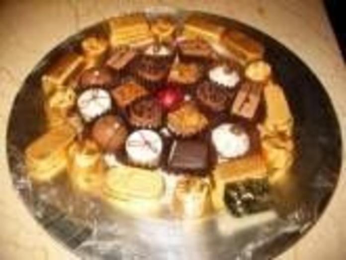Bombones y Delicias de Chocolate: Especialidades de PASTELERIA LORENA:    Confiteria, Bomboneria, Pasteleria, Cafeteria, Comida para llevar, Regalos,