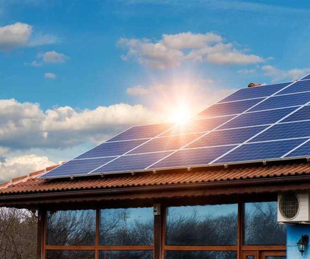 Por qué elegir un sistema de acumuladores con placas solares
