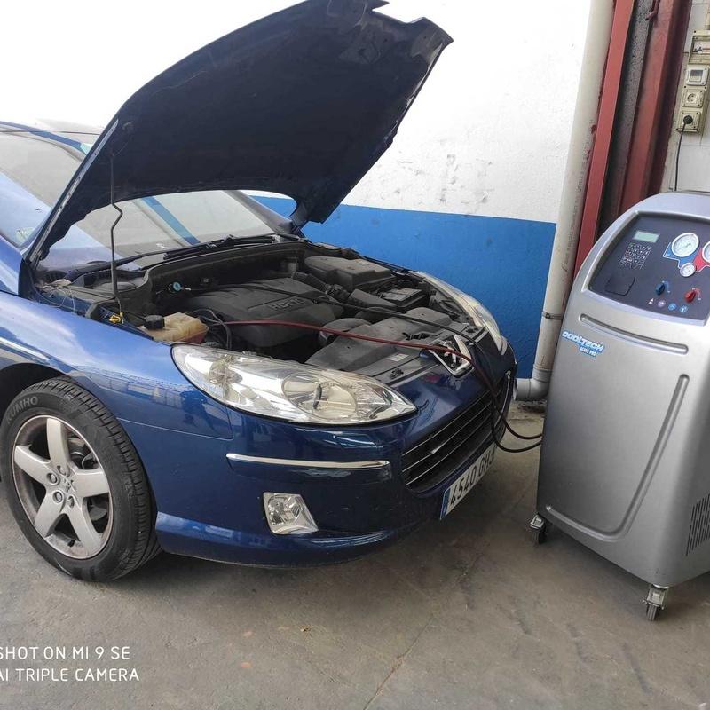Carga de aire acondicionado para tu vehículo: Servicios de Garaje Feria