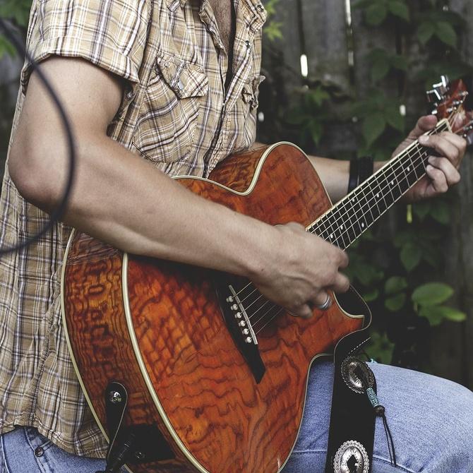 Crea y exprésate aprendiendo guitarra
