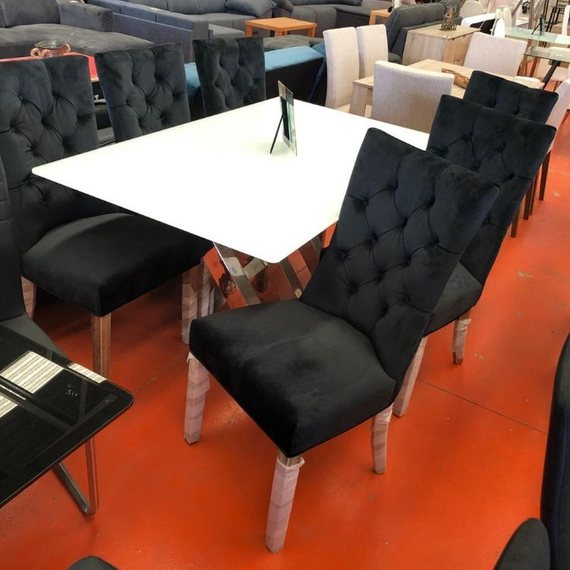 Mesa de cristal  y 6 sillas negras de terciopelo: Productos de Remar Castellón