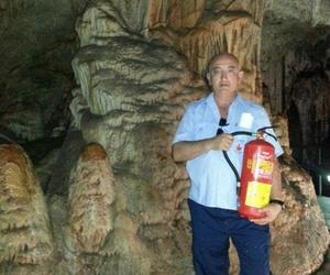 Mantenimiento en cuevas de Nerja