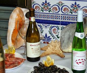 Mariscos acompañados de buenos vinos