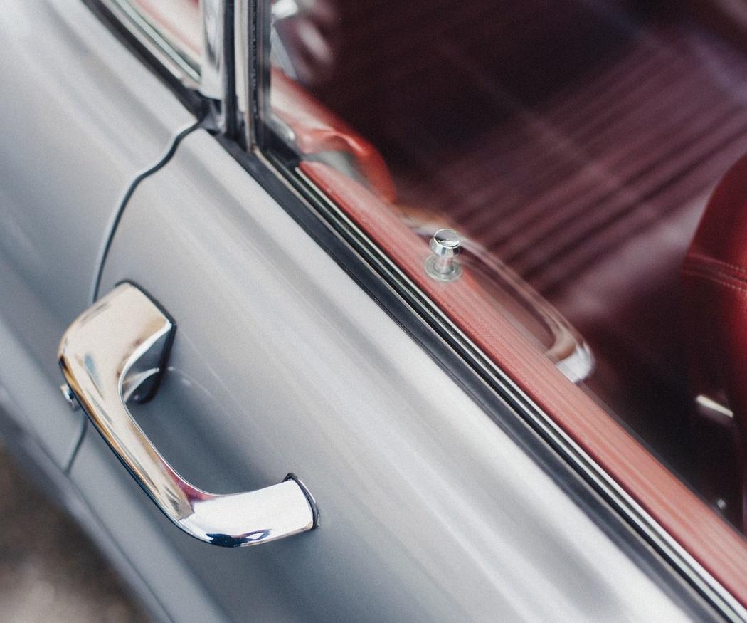 ¿Qué hacer si no puedes abrir tu coche?