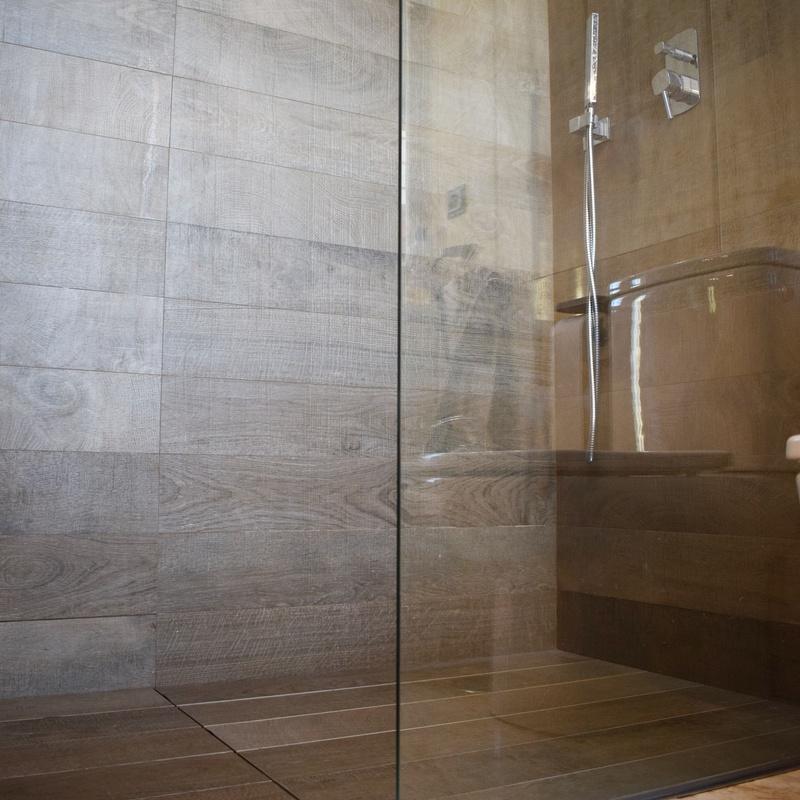 Impermeabilización de duchas - Sistemas Level: Servicios de Segura Sarria