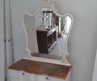 Cómoda con Espejo