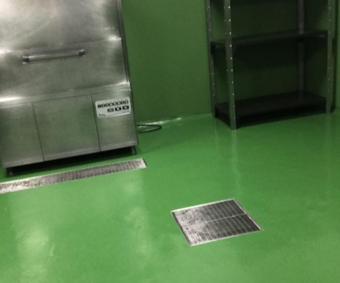 Pavimento de mortero epoxi de altas prestaciones y gran espesor. Hospital Doce de Octubre (Madrid)