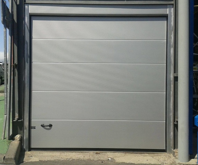 Servicio de reparación de puertas automáticas