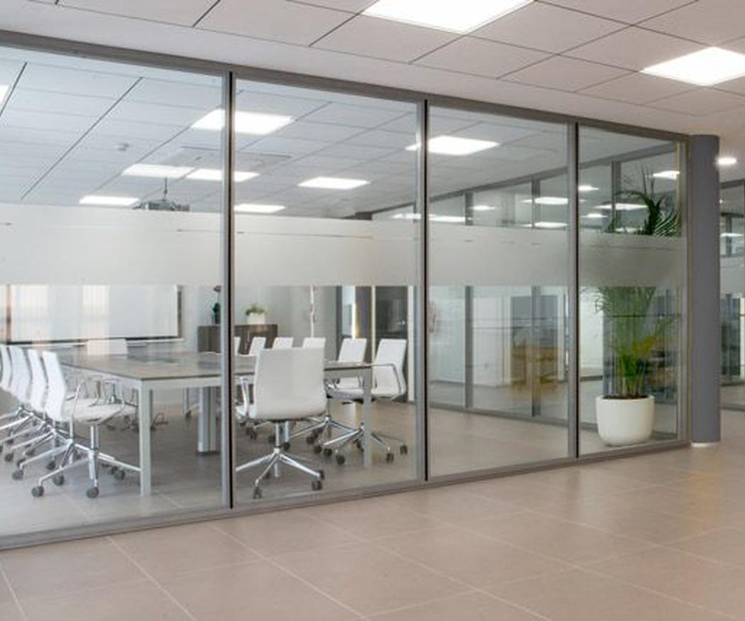 Soluciones para la oficina, las cortinas de cristal