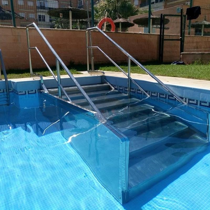 Escalera para piscinas