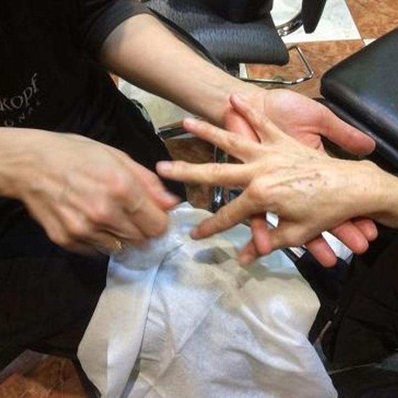 Manicura o pedicura: Servicios y Productos de Cómplices Peluquería y Estética