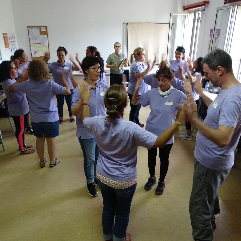 Talleres de expresión corporal, música y movimiento: Proyectos y Servicios de Asociación Domitila