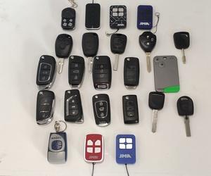 Copias de llaves y mandos de coche y garaje