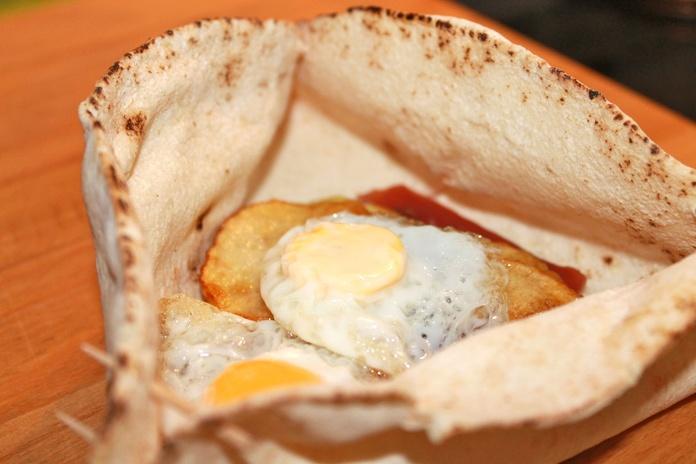 Desayunos con pan de pita libanés: Servicios de Cedar's Bread
