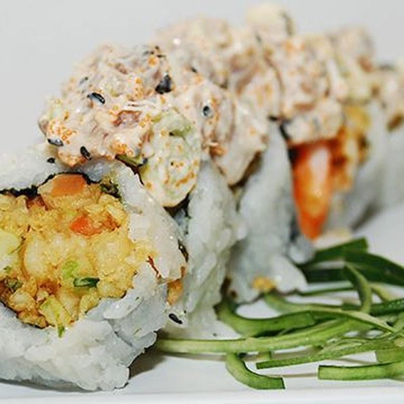 Sushi Rolls tempurizados por dentro: Carta de Fujiyama Sushi Bar & Asian Cuisine