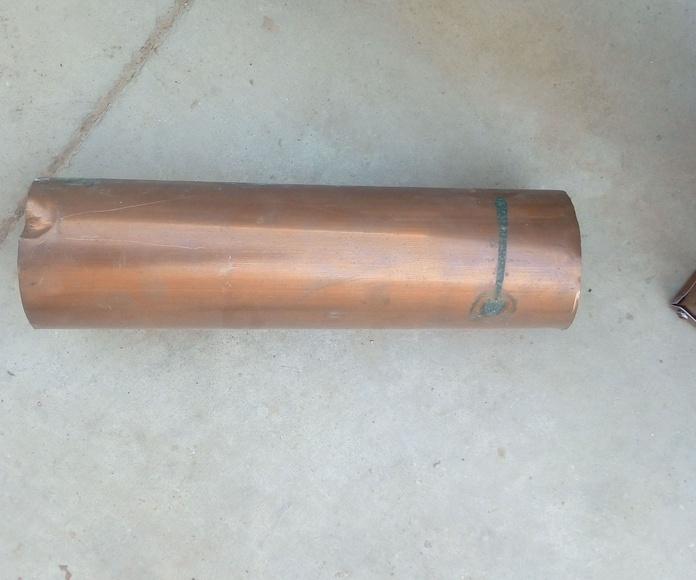 bajada en material de cobre natural.
